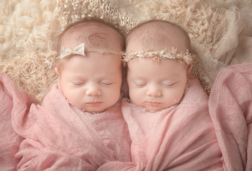 identical twin girls! 6 week old sisters {charlotte-palisades newborn photographer}